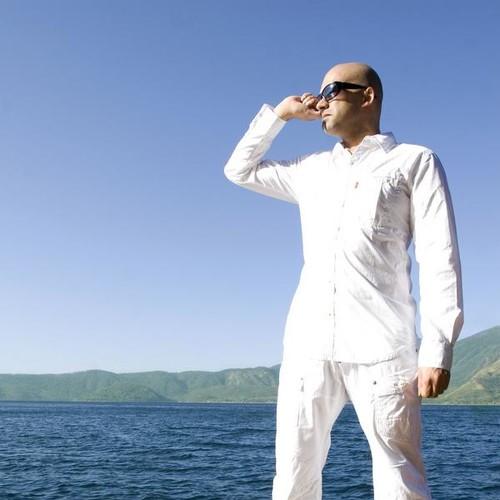 Breaking Waves - Roger Shah pres. Sunlounger feat. Inger Hansen
