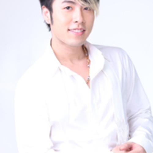 Akira Phan & Jolly Nguyen