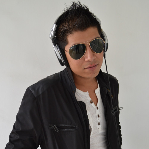 Offer Nissim & Sarit Hadad - Ze Sheshomer Alay (Arturo Estra - Arturo Estrada Official